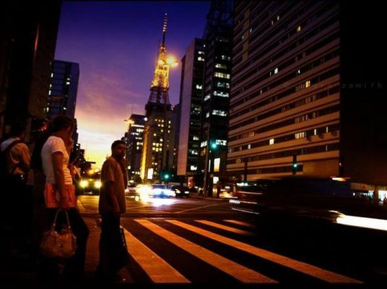 Onde a vida é mais cara no mundo, segundo a Economist,  Adoro!!!!!se caminhar não vai gastar nada!!!