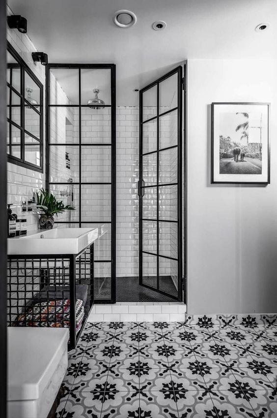 Une verrière pour ma douche - TRAITS D'CO Magazine