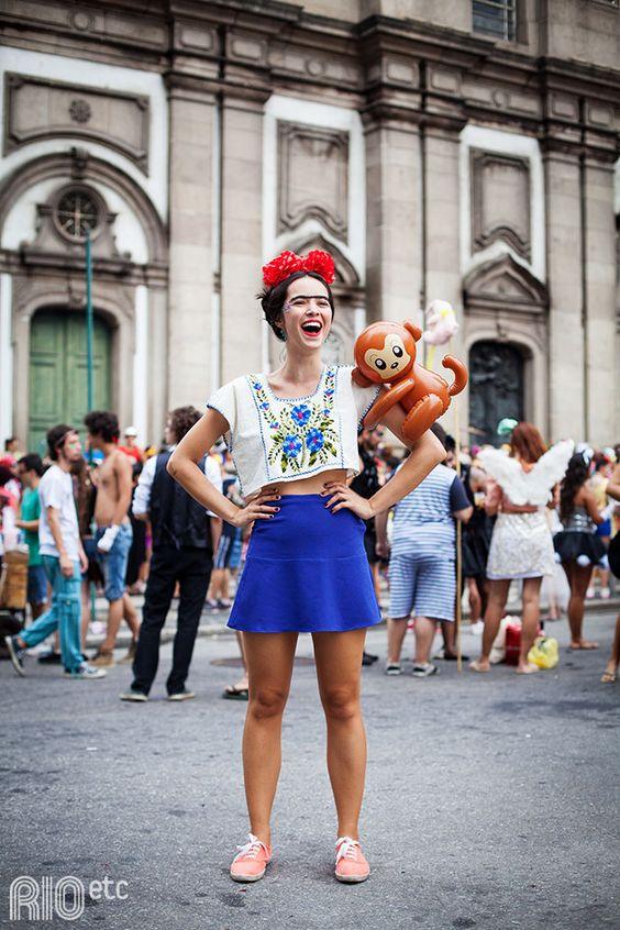 Fotos: Victor Ronccally Foidurante uma visita à exposição com pinturas de Frida Kahlo na semana anterior ao Carnaval que (...)