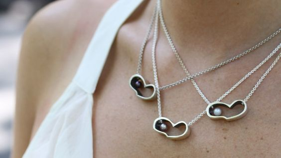 ILOVEME Necklace, Sterling Silver with Classic Bright White Pearl
