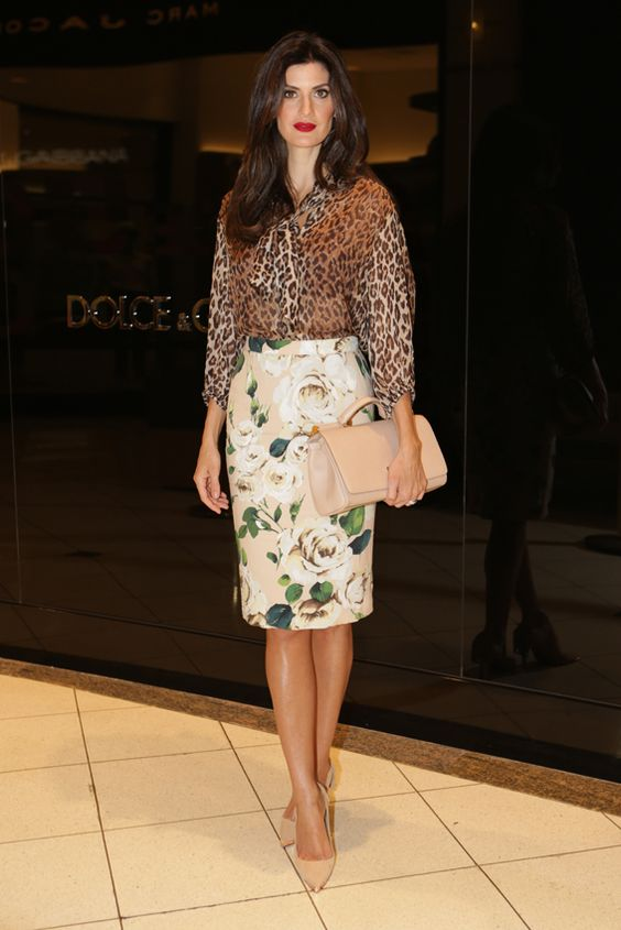 isabela fiorentino. #Modest doesn't mean frumpy! Www ...