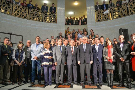 Acto institucional contra las prospecciones en Canarias - Declaración del 23-N. - GranCanariaTV.com