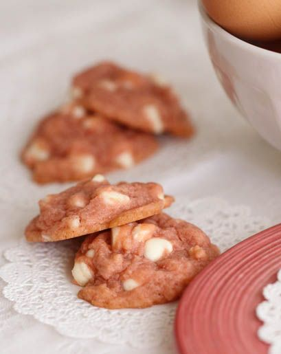 Strawberry Milk Chipsters | Strawberries, White Chocolate Chips and ...