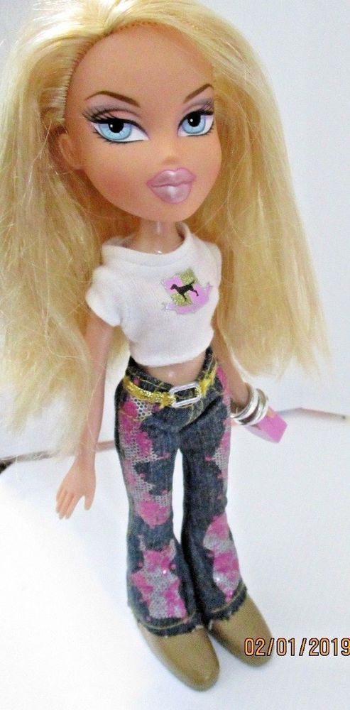 Bratz Doll Long Blonde Hair Jeans Bag Attached To Hand Roller Shoes Bratz Bratz Doll Long Blonde Hair Roller Shoes