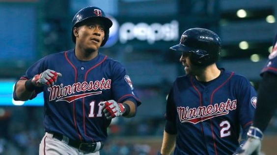 MLB Gamecast - Twins vs Tigers.   Twins 8 - Tigers 1
