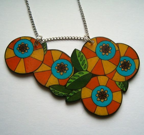 I can't stop drawing circles! New shrinky necklaces - JEWELRY AND TRINKETS