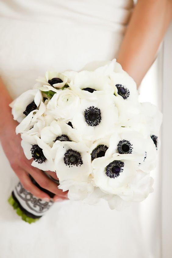 Bouquet De La Mari E Noir Et Blanc Sous Le Voile Pinterest Mariage Fleur Et Coquelicots