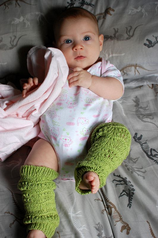 Knitted Bliss: Wee Wednesday: Lila's Legwarmers, Modelled