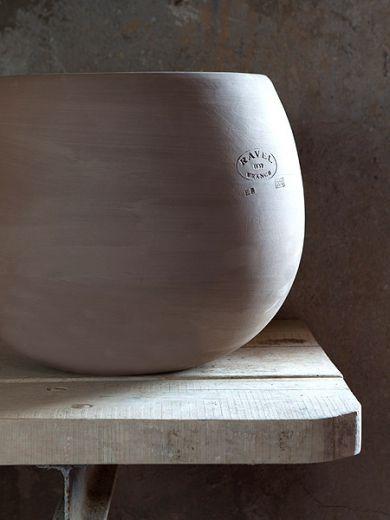 Pots en terre cuite des collections Ravel Vase Cosmos Diam 40 Terre Moka