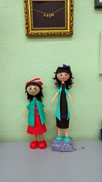 """CURSO DE MANUALIDADES.""""PINTAMONAS. Talleres creativos"""". Entra en nuestra página web o en nuestra página de Facebook y mira todos los talleres que te podemos ofrecer! #Manualidades, #DIY, #arte, #pintura, #escultura, #joyas, #esmaltes, #cumpleaños, #monográficos y mucho más! www.pintamonas.net"""