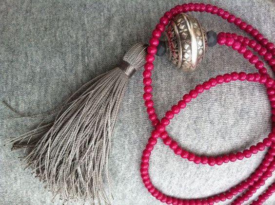 Long collier gland - framboise et argent Collier - Collier perles - collier Bohème