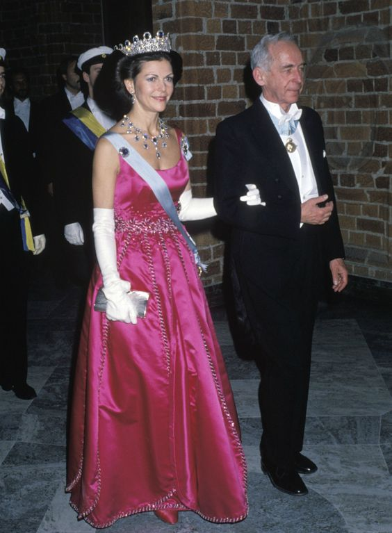 Queen Silvia at the Nobel prize ceremony in 1988 Dress made by Jorgen Bender