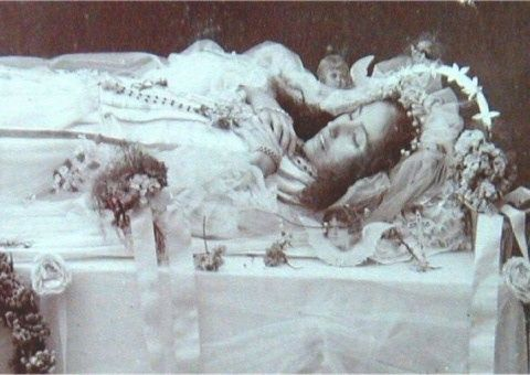 Post Mortum photography-Victorian Era- Earthbound Paranormal Of Iowa