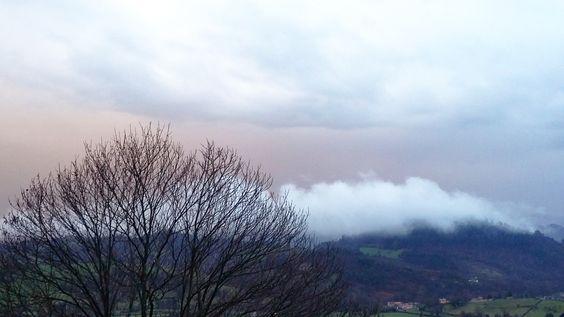 Al mal tiempo ¡nubes de tres colores! Buen fin de semana