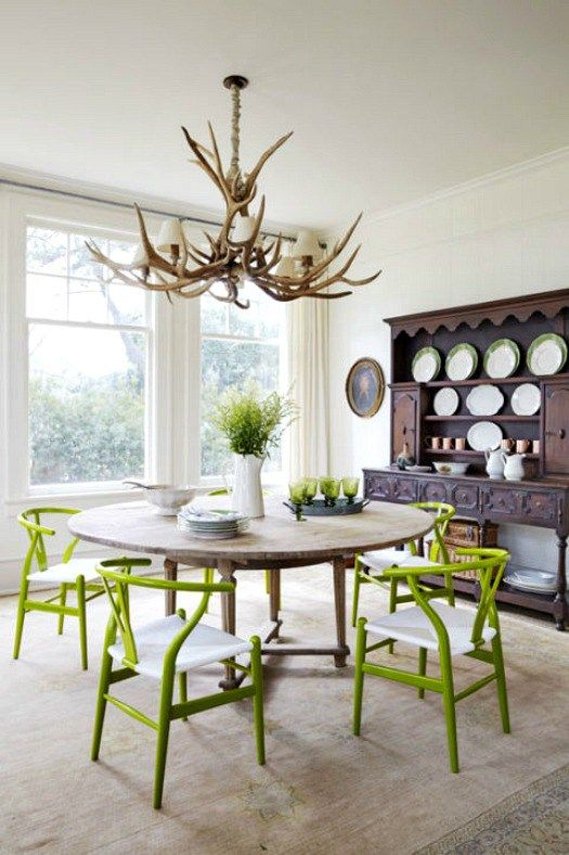 Pantone Greenery color of the year 2017 used in rustic style dining room, featured on NONAGON.style #Pantonecoloroftheyear2017 #greenery: