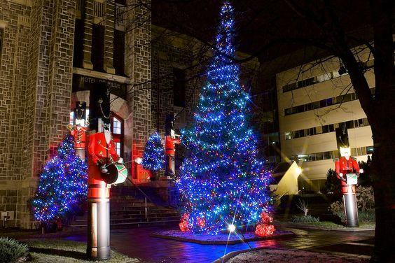 https://flic.kr/p/ewWaGY | Décorations de Noël à l'Hotel de Ville de Chicoutimi: