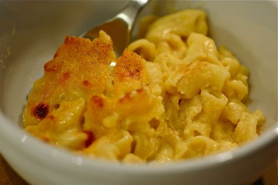 Old Fashioned Macaroni and cheese with bread crumb topping...omg heaven in my mouth