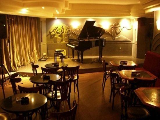 Berlin cafe jazz bar madriii pinterest spotlight