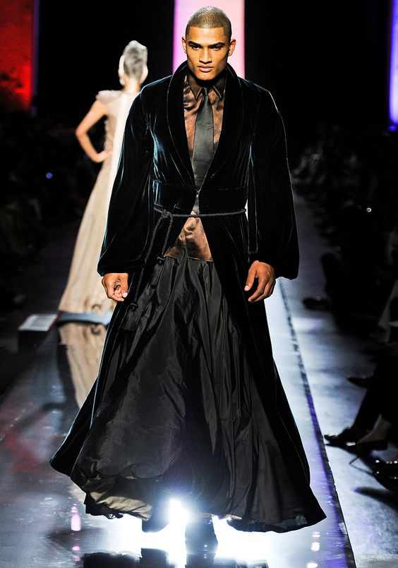 jean paul gaultier fall 2011 couture runway photos. Black Bedroom Furniture Sets. Home Design Ideas