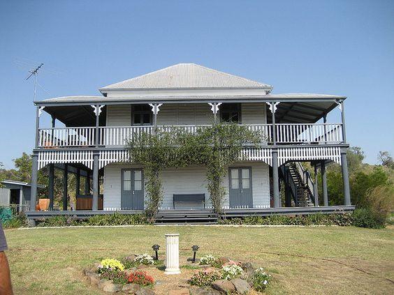 Queenslander house australian farmhouse pinterest for Classic queenslander house
