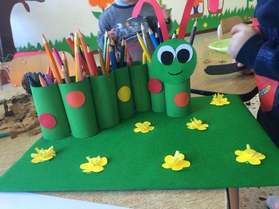 Bruco porta colori creato con rotoli di carta igienica colorati lavoretti per bambini - Albero porta carta igienica ...