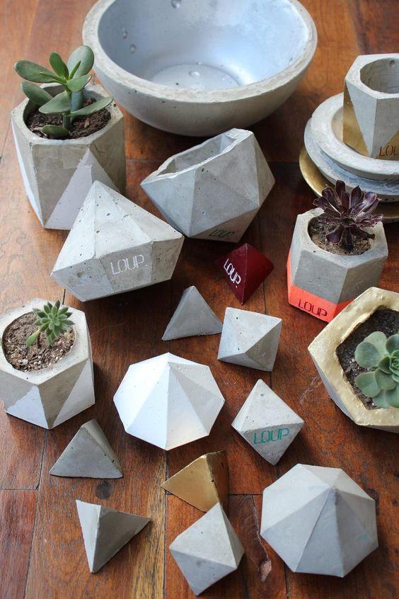 Inspiration crafts and concrete crafts on pinterest for Macetas de cemento