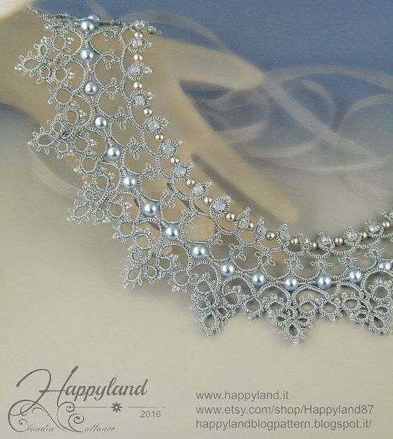 Cinderella needle tatting necklace von Happyland87 auf Etsy