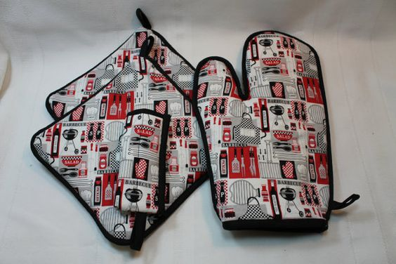 """Pot Holders/Oven Mitt/Hot Pads - """"Barbecue Grill - BBQ""""- Designer - Thick - Kitchen Item - Gift under 10"""