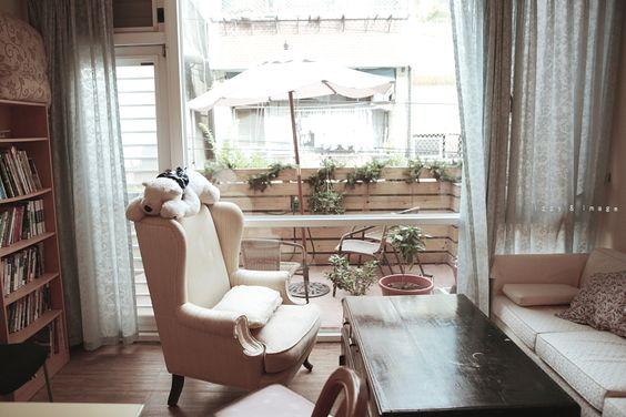 士林-軟糖咖啡館:光是聽名字就快要融化的咖啡館,店內柔和舒適的布置,加上甜蜜的餐點,女孩無法擋。