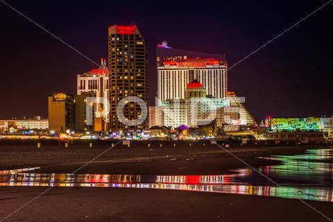 Casinos And The Beach At Night In Atlantic City New Jersey Stock Photos Ad Night Atlantic Casinos Beach With Images Beach At Night Atlantic City City