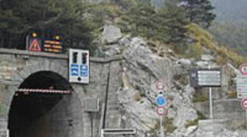 Liguria: #Riaperto il #Colle di Tenda: la strada era rimasta chiusa a causa di una frana (link: http://ift.tt/1Py1ida )