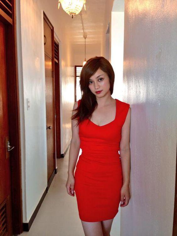 平愛梨真っ赤なドレスでファッショングラビア