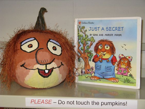 Mercer Mayer's Little Critter - Book Character Pumpkin (Pumpkin Painting 2008)