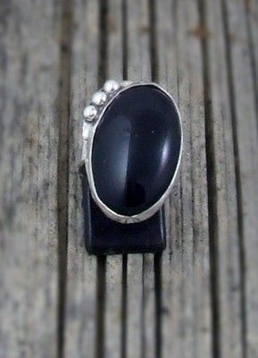 Stunning Black Onyx and Sterling Silver Ring size 8 (BOR)