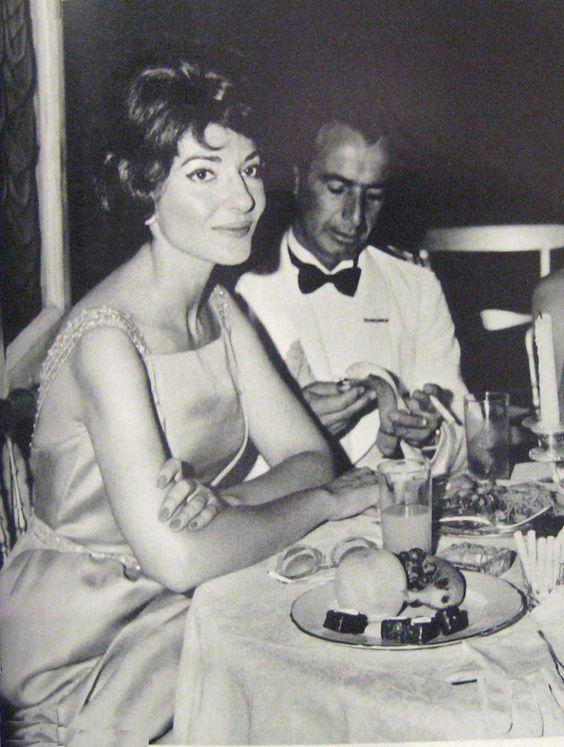 Maria Callas presenziò al cosiddetto 'Ballo dei Re' tenuto a Napoli nel 1960 durante le Olimpiadi che in quell'anno furono ospitate a Roma. 03