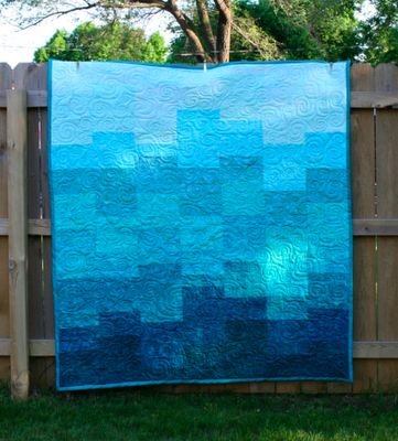 Ombre Quilt... going to attempt this so my bf can stop asking me to make him crap.