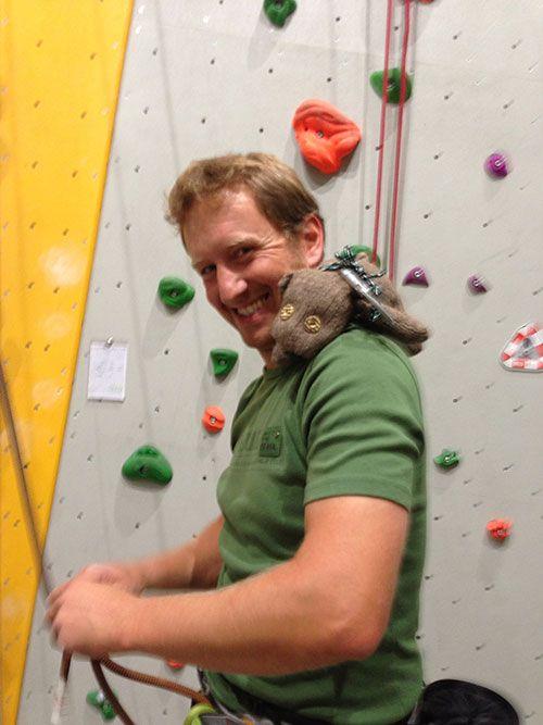 Ich durfte wieder raus. Das DAV Kletterzentrum in Landshut ist zwar kein Berg, aber eine geschlossene Kletterhalle ist immer noch deutlich besser als ein geschlossenes Büro.