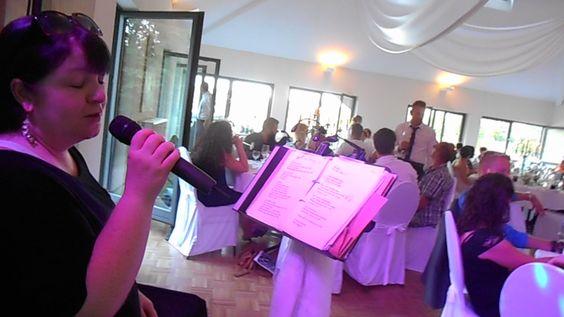 #Hochzeitsfeier mit Livegesang zum Dinner #Kathleensingt im Hau's am See in Kell RLP