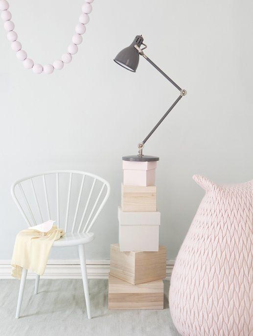 Furniture / Accessories