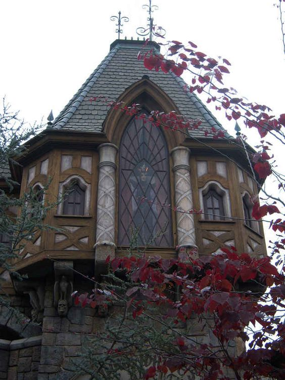 In one of the buildings in Fantasyland above the Snow White attraction, the Evil Queen appears in a window for only a few seconds every few minutes. | 16 Awesome Hidden Gems You Must Experience At Disneyland: