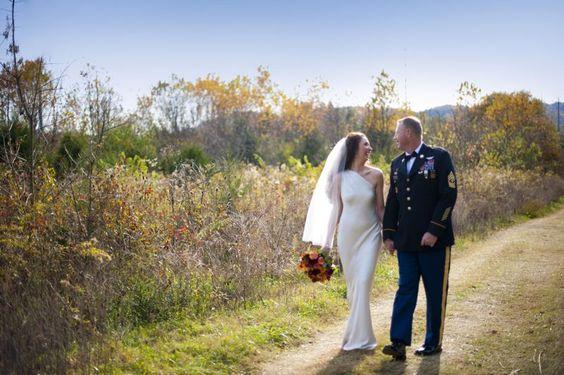 Vibrant Fall Military Wedding at Historic Cedarwood | #CedarwoodWeddings #WeddingIdeas #CountryWedding #WeddingPhotography
