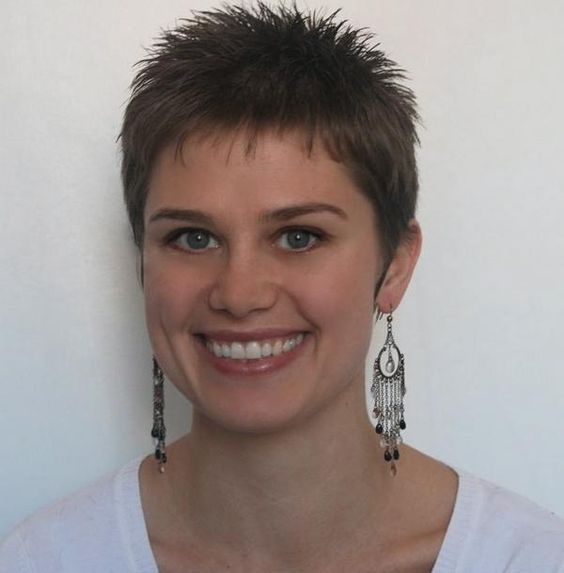 short spiky hairstyles for women over 50