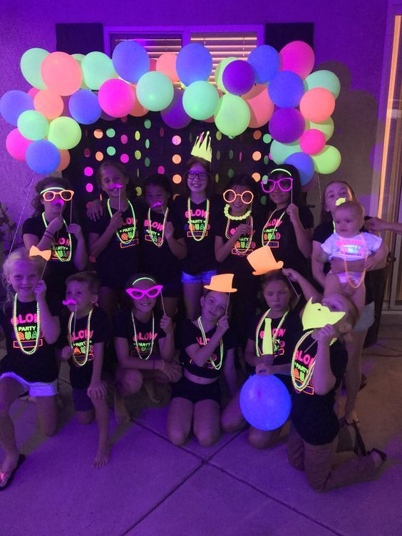 Fun365 Craft Party Wedding Classroom Ideas Inspiration Neon Birthday Party Glow Birthday Neon Birthday