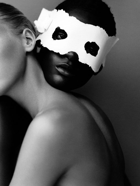 Arjowiggins - Skin Paper. S)