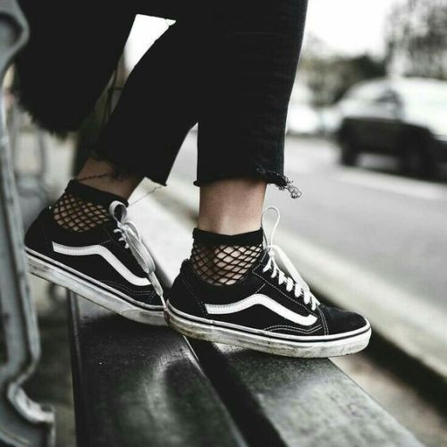 How to style vans sneakers | Just Trendy Girls in 2021 | Womens ...