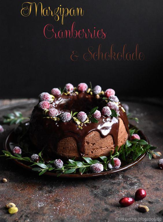 Marzipankuchen  mit Cranberries und Schokolade