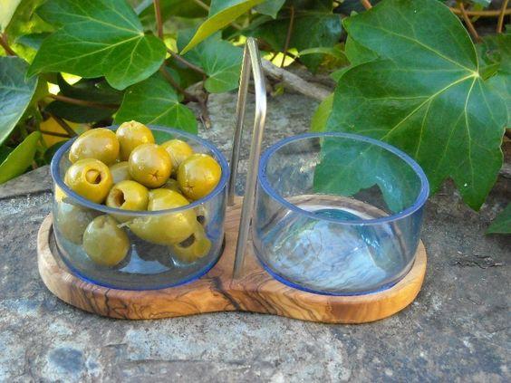 Schüsseln & Schalen - 2 Schalen recycelte Flaschen + Olivenholz Ständer - ein Designerstück von Alentejoazul bei DaWanda