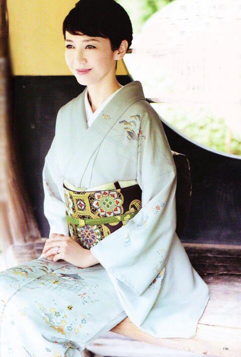 和服の賀来千賀子