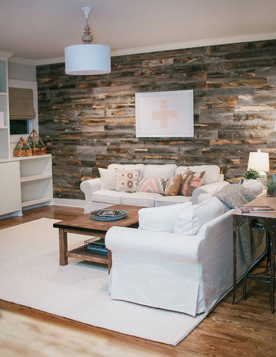 Wood pallet wall in living room: