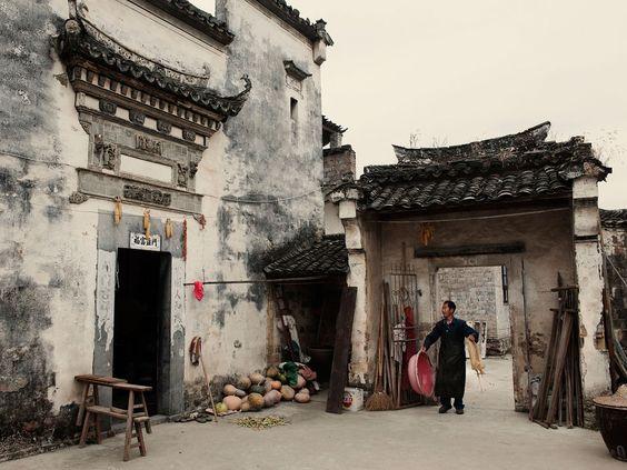 http://www.geo.fr/var/geo/storage/images/photos/reportages-geo/les-tresors-du-huizhou/preparation-du-tofu/1084917-1-fre-FR/preparation-du-tofu_940x705.jpg